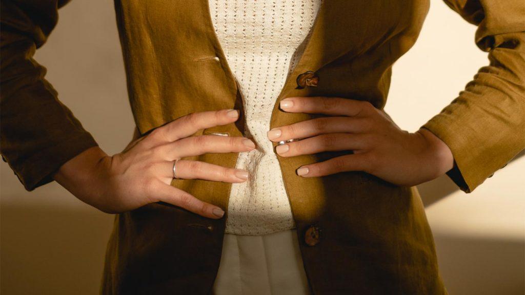 Lana's hands